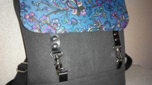 Застежки карабины на кожаных ремешках