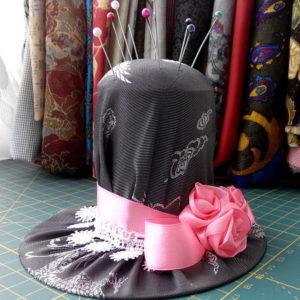 Игольница в форме шляпки